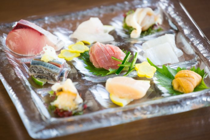 An Dining Sashimi Spread Raw Fish Plate Winter 2016
