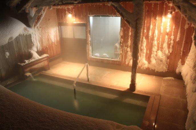 Goshiki Onsen Winter Snow Outdoor Pool Rotenburo Night Time