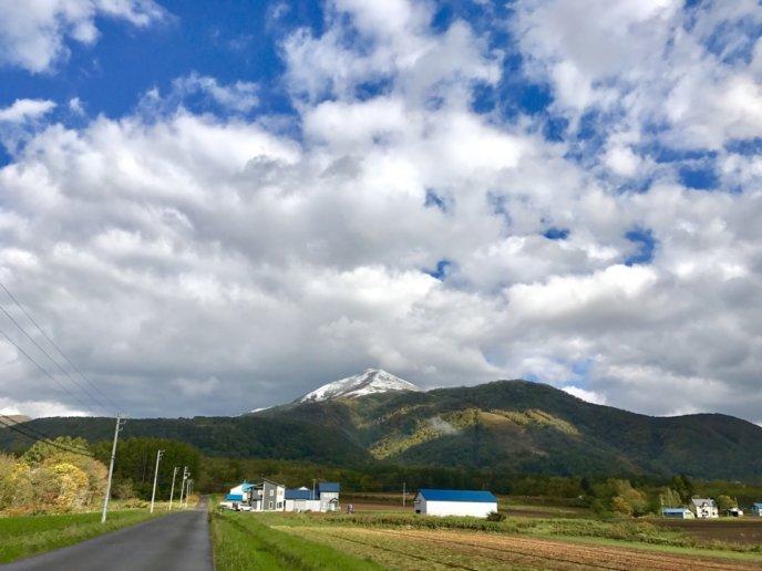 Snow on the peaks of Niseko-Annupuri on October 5th.