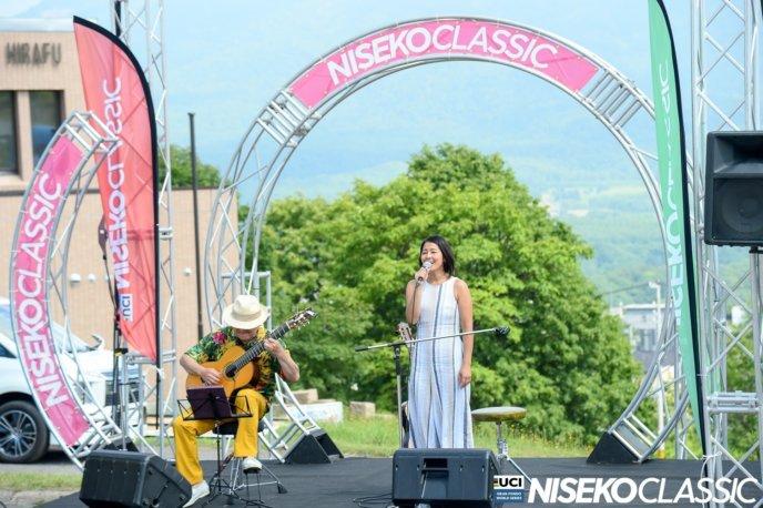 Nilo Singing 2