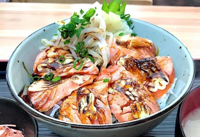 Ren Seared Salmon Sashimi Rice Bowl Set
