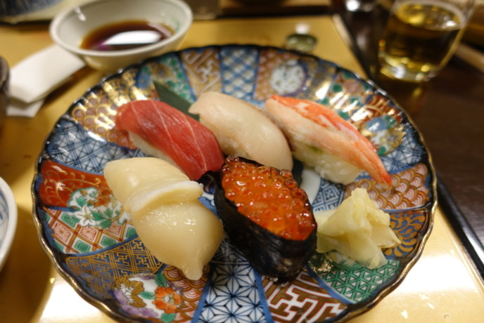 Try fresh sushi in Shakotan