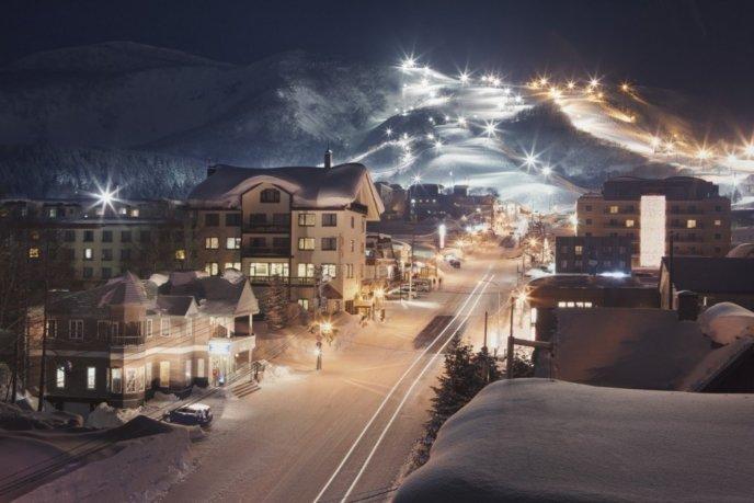 Niseko United Night Skiing 1024X682