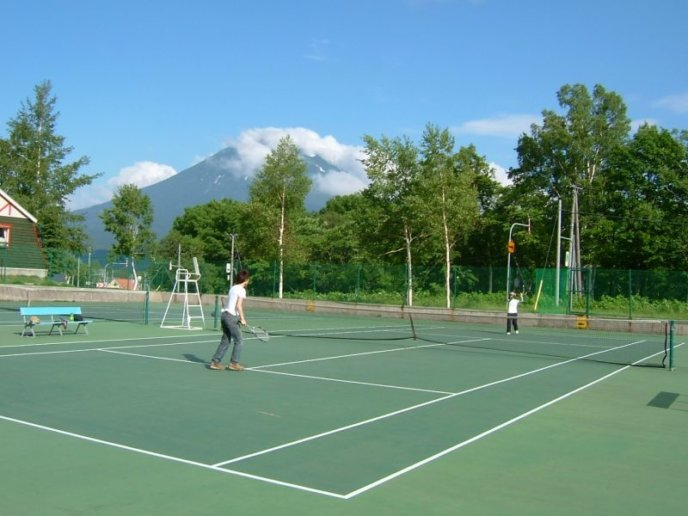 Tennis in Niseko