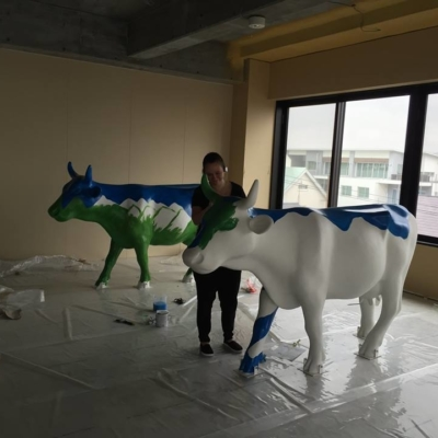 Cows arrive in Niseko for Cow Parade Niseko