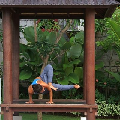 Kanami Anderson Powder Yoga