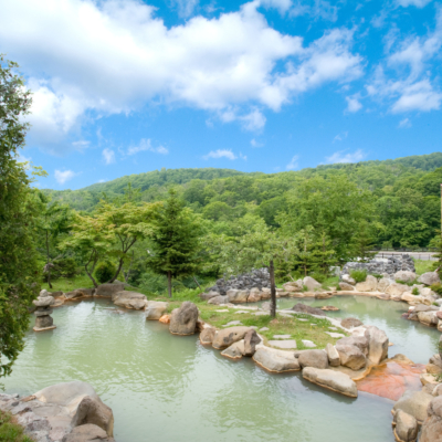 Niseko Grand Hotel Summer Outdoor Pool Rotenburo 1