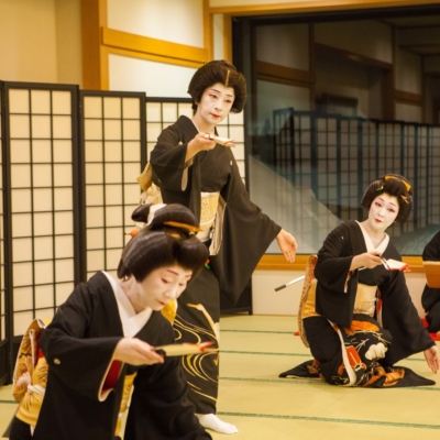 Performing at the Geisha Experience In Otaru.