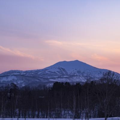 アンヌプリ山と夕景