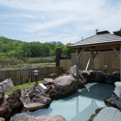 Weiss Hotel Onsen Outdoor Rotenburo Pool Summer 3
