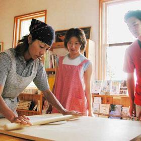 niseko-soba-noodle-making