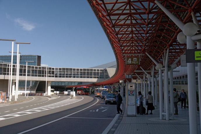 Hokkaido New Chitose Airport13N4272 Wikicommons